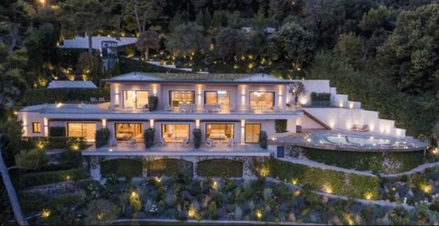 moderne villa in der n he von monaco alpes maritimes. Black Bedroom Furniture Sets. Home Design Ideas